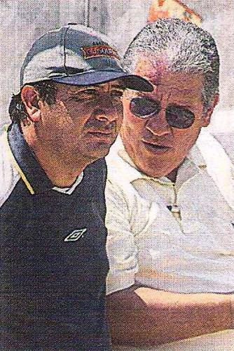 Aquí junto a Ramón Mifflin en su última etapa como parte del comando técnico crema (Recorte: diario El Comercio, suplemento Deporte Total)