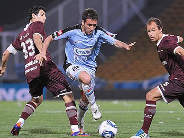 Y NADIE PASÓ. En otro encuentro cerrado, Belgrano y Lanús igualaron a cero goles. (Foto: Diario Uno)