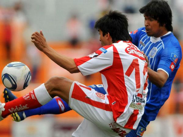 CON EL MISMO PIE. Godoy Cruz logró sacar un empate ante Unión de Santa Fe, que parecía llevarse el triunfo. (Foto: La Nación)