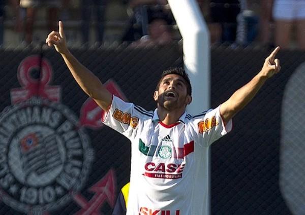 PALMAS PARA TÍ. Luan fue fundamental para la remontada de Palmeiras contra  Corinthians. (Foto: Ag.estado)
