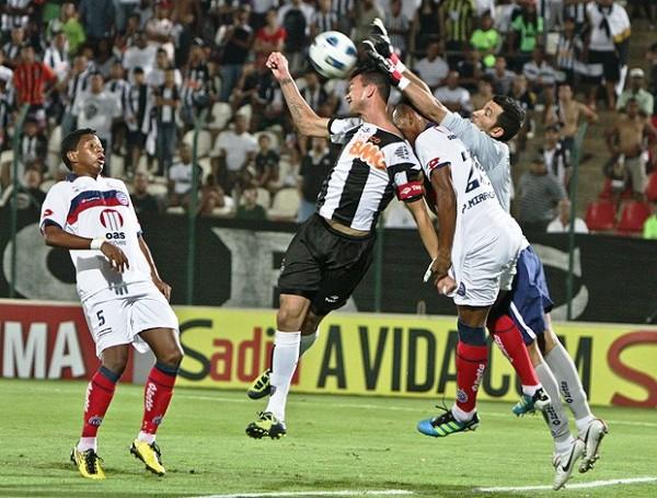 QUIERE TREPAR. Con dos goles de Magno Alves, Atlético Mineiro se impuso a Bahía y lo dejó en zona de descenso. (Foto: Flickr Atlético Mineiro)
