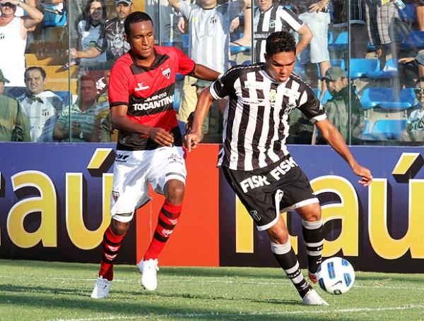 SIGUE RESIGNANDO PUNTOS. Ceará no pudo como local ante Atleticó Goianiense y sólo igualó 1-1.(Foto: Ag. Estado)