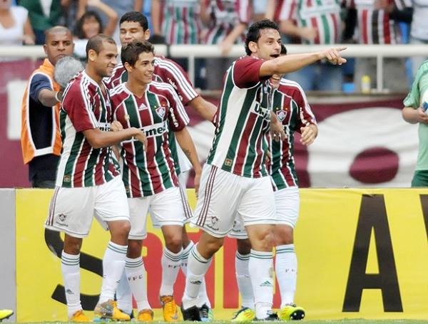 MARCA EL RUMBO. De la mano de Fred, Fluminense venció al líder Corinthians. (Foto: Photocamera)