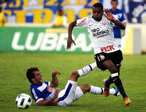 SIEMPRE ARRIBA. Corinthians logró imponerse por la mínima a Cruzeiro y se mantiene en lo más alto de la tabla. (Foto: Corinthians.com)