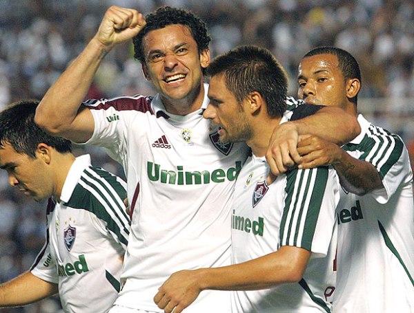 SIGUE EN LA CARRERA. Con gran actuación de Rafael Sobis, Fluminense venció a domicilio al Ceará y se mantiene en la lucha por el título. (Foto:Photocamera)