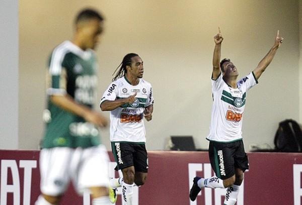 CAÍDA LIBRE. Palmeiras continúa de capa caída tras caer en condición de local 0-2 ante Coritiba. (Foto: AGENCIA ESTADO)