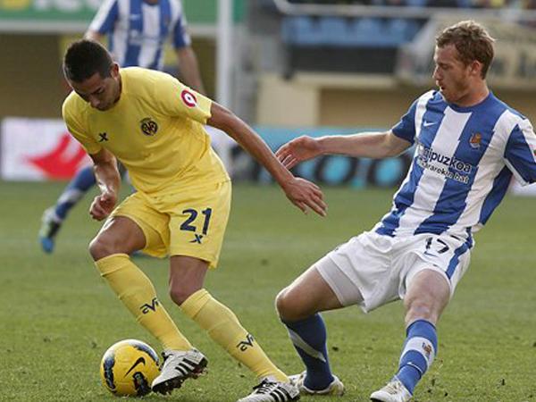 BIEN CUBIERTO. Villarreal no tuvo la jerarquía para imponese a Real Sociedad que robó un importante empate de visita. (Foto: Marcamedia)