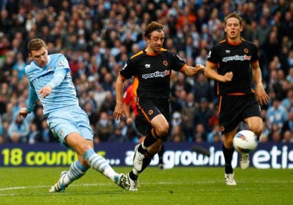 NADIE LO MUEVE. El Manchester City sigue en lo más alto de la tabla tras derrotar con comodidad 3-1 al Wolverhampton. (Foto: Premierleague.com)