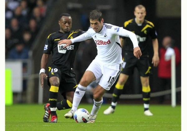 SE ESCAPA DEL FONDO. En su lucha por la permanencia, el Swansea logró una buena victoria de 3 - 1 ante el Bolton. (Foto: Premierleague.com)
