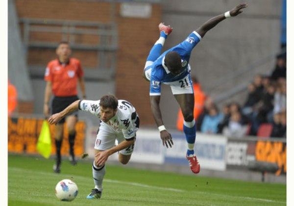 NO SALE A FLOTE. El Wigan continúa en el fondo de la tabla tras perder en condición de local 0-2 ante el Fulham. (Foto: Premierleague.com)