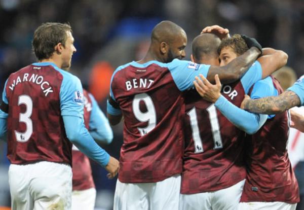 ¡QUÉ VILLANOS! El Aston Villa logró una importante victoria como visitante tras imponerse 1-2 ante el Bolton. (Foto: Premierleague.com)