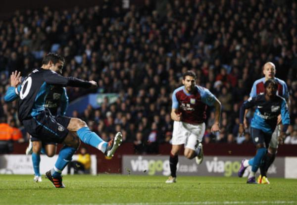 POR LAS NUBES. El Arsenal volvió a cosechar una nueva victoria. Esta vez, los 'Gunners' se impondrían  en condición de visitante 1-2 frente al Aston Villa. (Foto: PremierLeague.com)