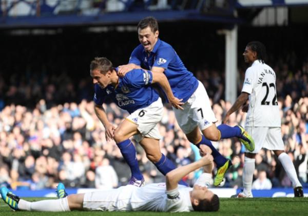 SUBIÓ DE PESO. Everton trepó hasta la mitad de tabla tras imponerse por 3-1 al Wigan. (Foto: premierleague.com)