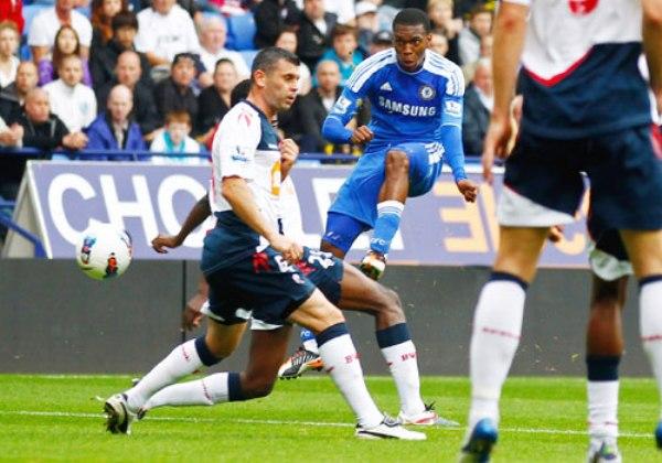 NO SE HACE PROBLEMAS. El Chelsea continúa firme en el tercer lugar de la tabla. En esta oportunidad, los 'Blues' derrotaron cómodamente por 1-5 al Bolton. (Foto: PremierLeague.com)
