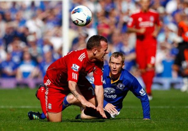 CONTRA TODO. Pese a los problemas en su juego, Liverpool logró salir airoso de su visita al Everton. Los 'Reds' se impusieron por 0-2. (Foto: PremierLeague.com)