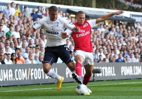 NO LEVANTA CABEZA. El Arsenal no puede salir de su mal arranque de temporada y cayó ante el Tottenham por 2-1. (Foto: PremierLeague.com)