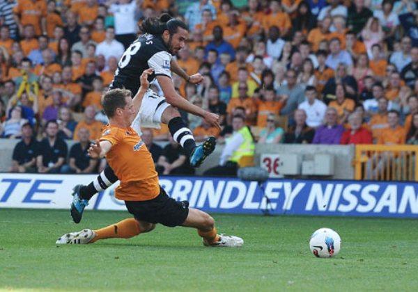 TAMBIÉN SE LUCEN. El Newcastle logró sacar un importante triunfo en su visita al Wolverhampton. Con este resultado, las urracas se sitúan en la cuarta ubicación. (Foto: PremierLeague.com)