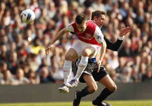 CAMINO A LA RECUPERACIÓN. El Arsenal consiguió un nuevo triunfo, 3-1 ante el Stoke City, y continúa ascendiendo en la tabla de posiciones. (Foto: Premierleague.com)
