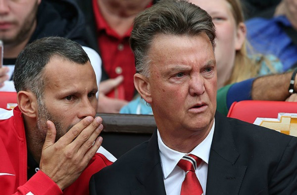 Louis Van Gaal y Ryan Giggs, quien es su asistente, evidenciaron su preocupación tras caer ante Swansea en el debut del Manchester. Igual, requieren paciencia (Foto: premierleague.com)