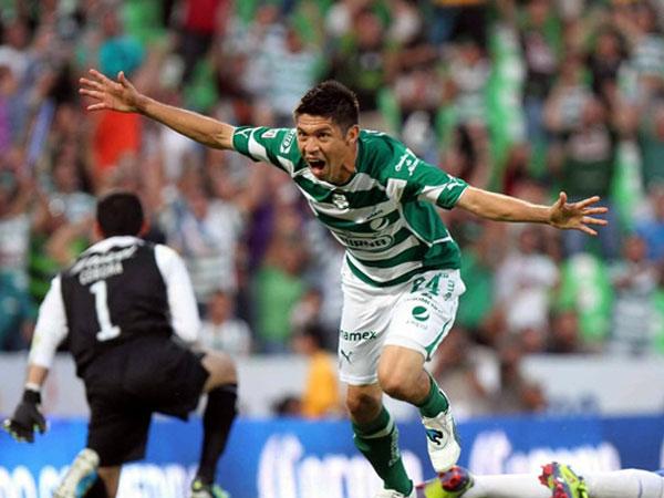 UN SOLO MOMENTO. Santos Laguna obtuvo un importante triunfo sobre Cruz Azul, que no tuvo la suerte de su lado a pesar de dominar el encuentro.  (Foto: Mexsport)