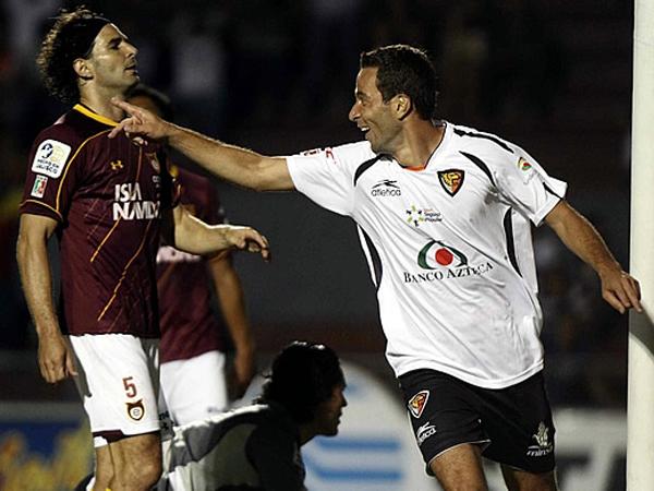 FUERZA FELINA. Con dos goles de Luis Gabriel Rey, Jaguares derrotó de visita a Estudiantes Tecos. (Foto: Mexsport)