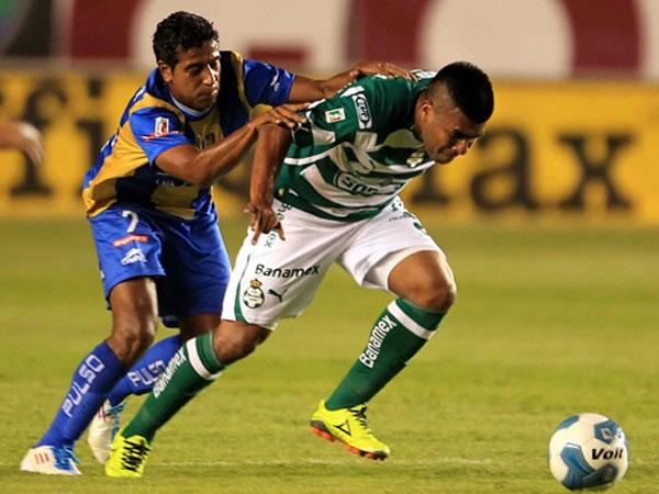 AJUSTANDO. Santos hizo los méritos y le ganó por la mínima diferencia a San Luis. El conjunto de Wilmer Aguirre no tuvo capacidad para remontar el encuentro. (Foto: Mexsport)