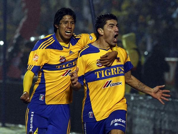 SU MEJOR GRITO. Hector Mancilla anotaba el gol del empate a favor de Los Tigres. Santos perdía sus esperanzas. (Foto: Mexsport)