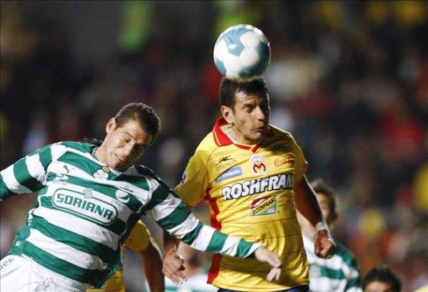 """Querétaro y los Tigres  no pudieron sacarse ventajas en el partido de ida y quedaron empatados 0-0 en el estadio """"La Corregidora"""".  (Foto: EFE)"""