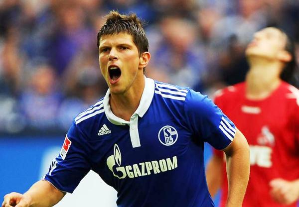 NÚMEROS EN AZUL. Schalke, con un intratable Huntelaar, obtuvo un contundente triunfo (Foto: bundesliga.de)