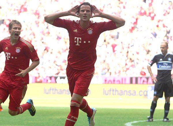 PARA QUEDARSE CALLADOS. Bayern Munich humilló a Hamburgo y le endosó una goleada de proporciones. De la mano de Arjen Robben, los bávaros asoman como firmes candidatos (Foto: bundesliga.de)