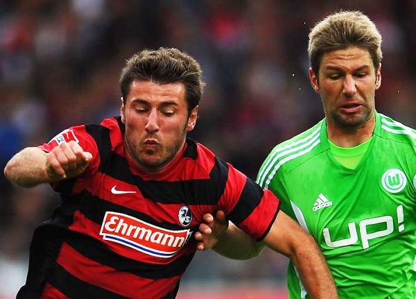SU PRIMERA VEZ. El Freiburg logró su primera victoria en el certamen, y vaya de qué manera: goleó 3-0 al Wolfsburg. (Foto: Bundesliga.de)