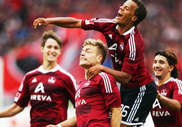 LO DEJÓ RELEGADO. Nürnberg se impuso como local 1-0 al recién ascendido Augsburg y lo dejó en los últimos lugares de la tabla. (Foto: Bundesliga.de)