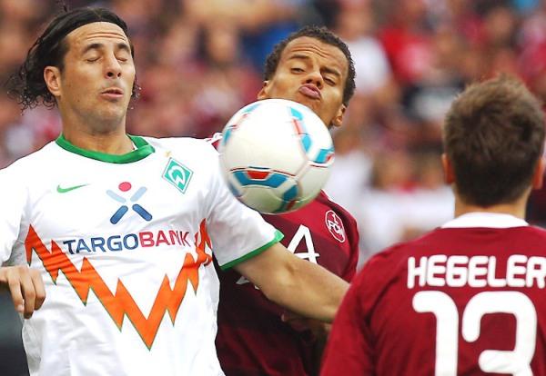 NO DA GUSTO. El Werder Bremen no pudo vencer al Nürnberg e igualó 1-1. A pesar del empate, el equipo de Pizarro continúa segundo en l Bundesliga. (Foto: bundesliga.de)