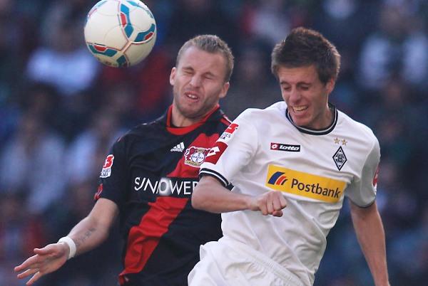 VIBRANTE. Así fue el partido protagonizado por el Borussia Mönchengladbach y el Bayern Leverkusen.  El choque entre ambos clubes terminaría 2-2. (Foto: Bundesliga.de)