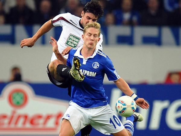 LOS SORPRENDIERON. El Schalke 04 cayó sorpresivamente como local 1-2 ante el Kaiserslautern. (Foto: Bundesliga.de)