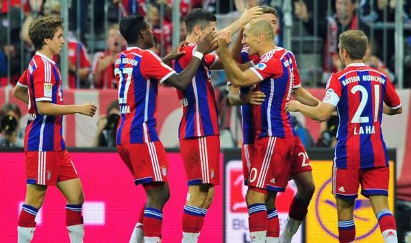Bayern se estrenó con un triunfo en la Bundesliga 2014/15 y, para variar, parece que una vez levantará la enzaladera (Foto: AP)