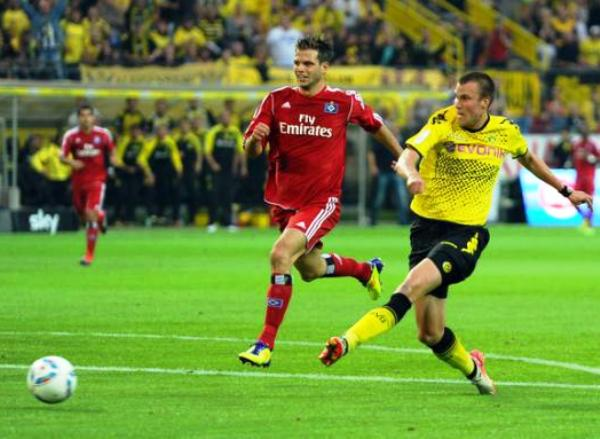 TENÍA QUE SER EL CAMPEÓN. Borussia Dortmund debutó con el pie derecho luego de vencer con comodidad al Hamburgo de Paolo Guerrero. (Foto: Reuters)