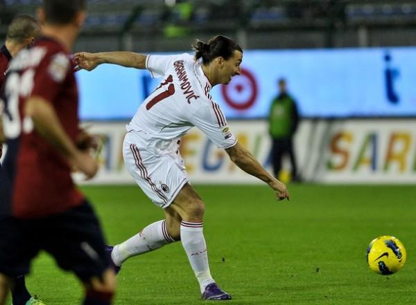 DE PUNTA A PUNTA. De la mano de  Zlatan Ibrahimovic, el Milan se impuso de visita 0-2 ante el Cagliari. (Foto: AFP)