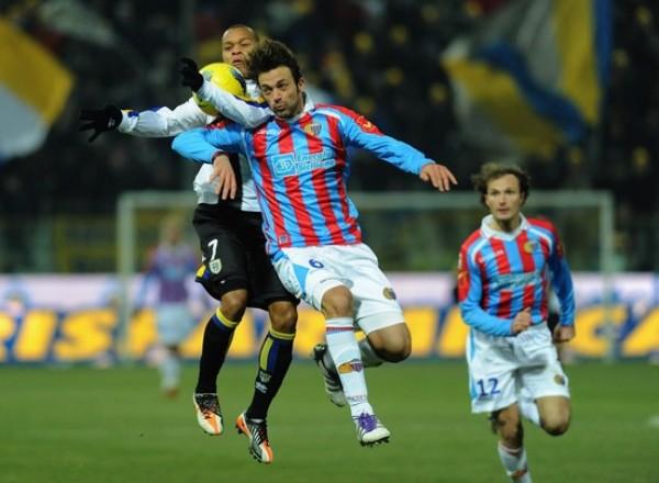 VALIÓ LA PENA. Parma y Catania protagonizaron el partido de la fecha tras igualar 3-3. (Foto: AFP)