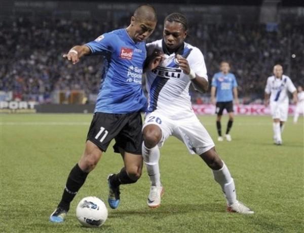 NO SE DEJARON. De la mano de un eficaz Morimoto, el recién ascendido Novara se impuso por 3-1 ante el Inter. (Foto: AP )