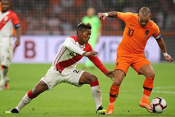 Tras el Mundial, el primer amistoso de Perú fue con derrota ante Holanda. (Foto: AFP)