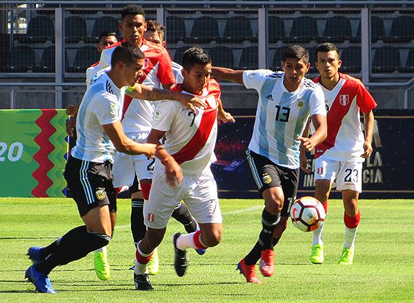 ¿Cuántos jugadores de las selecciones menores integrarán el plantel peruano en Lima 2019? (Foto: Aldo Ramírez / DeChalaca.com)