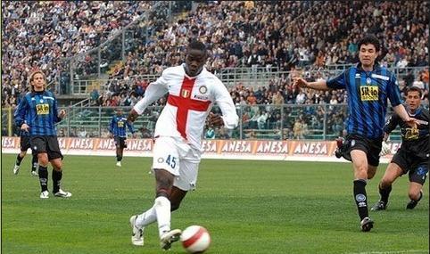 Anotando un gol frente al Atalanta, por la Serie A (Foto: mariobalotelli.it)