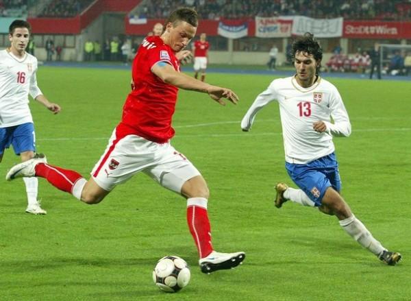 Con chompa de la selección austriaca ante Serbia, por las Eliminatorias rumbo a Sudáfrica 2010 (Foto: daylife.com)
