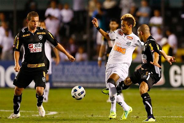 Como otros grandes cracks del fútbol brasileño, Neymar tendrá para la próxima temporada el reto de ganar el Brasileirao con el Santos. Empresa alto complicada por el alto nivel competencia de la Serie A brasileña (Foto: neymarweb.es).