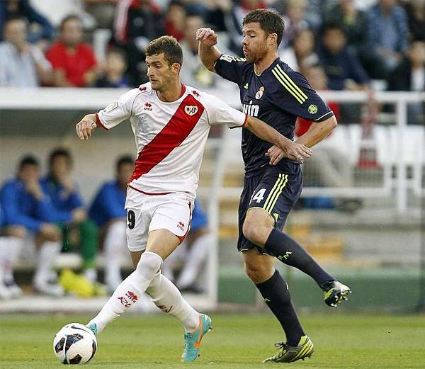 Leo empezó jugando con Neymar en Brasil y ahora se codea con los mejores del fútbol en la liga española (Foto: EFE)