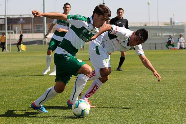 Santos Laguna tiene a una figura en ciernes en Javier Abella aunque aún no aprovecha sus cualidades en el primer equipo (Foto: yodeportivo.com)