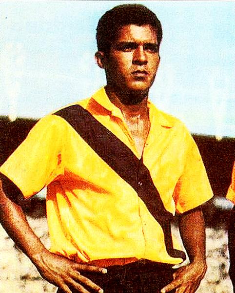 Washington Muñoz vestido con la camiseta de Barcelona. (Foto: Pinterest)