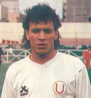 Martín 'León' Rodríguez, agerrido volante de marca que destacó en el recordado bicampeonato de la 'U' en los noventa (recorte: revista Estadio)