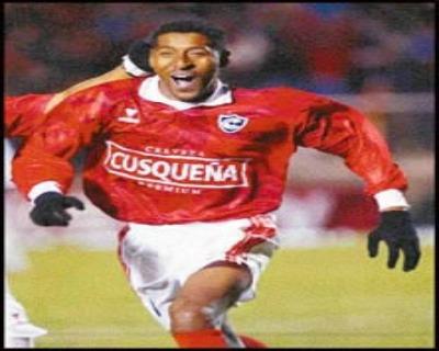 Un ave de gran tamaño es el avestruz, así como lo es el legado de Germán Carty quien lleva marcando goles más de veinte años. (Foto: eldeber.com.bo)
